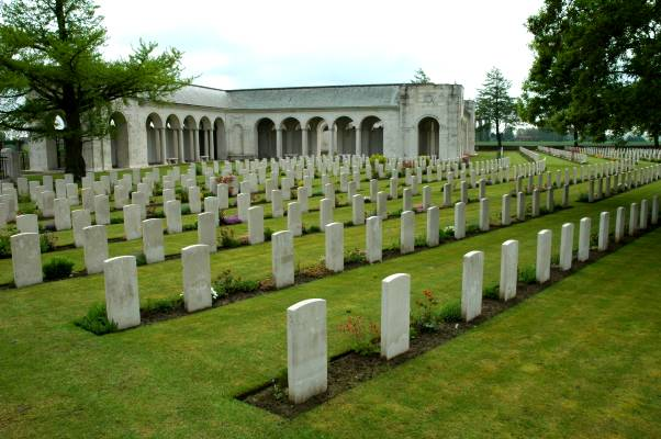 Le Touret Military Cemetery & Memorial - Richebourg-l'Avoue, Pas-de-Calais